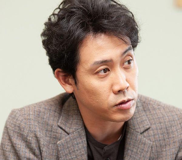 大泉洋の実兄は市役所幹部 「函館市長選出馬説」について直撃した | 文春オンライン